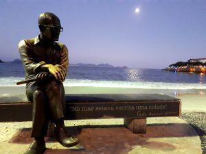 Estátua Carlos Drummond de Andrade
